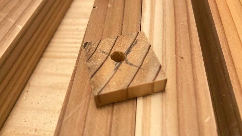 木材に下穴を開ける